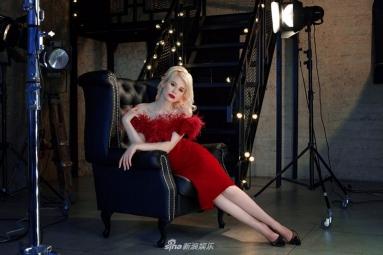 全能女生李凯馨首支词曲创作单曲《在一起》 获制作人赞许